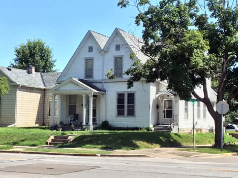 2 Bedroom Duplex for Rent in Quincy IL